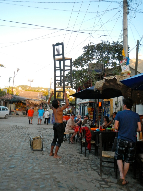 street performer in Sayulita