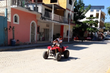 Cruising in La Cruz