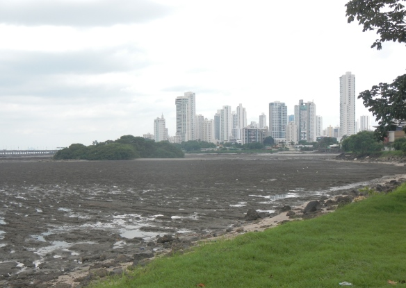This is a good example of the 18' tides they have on the Pacific side of Panama.