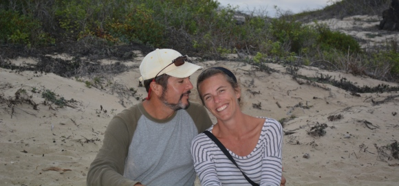 Galapagos love birds