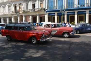 Brady bunch in Havana