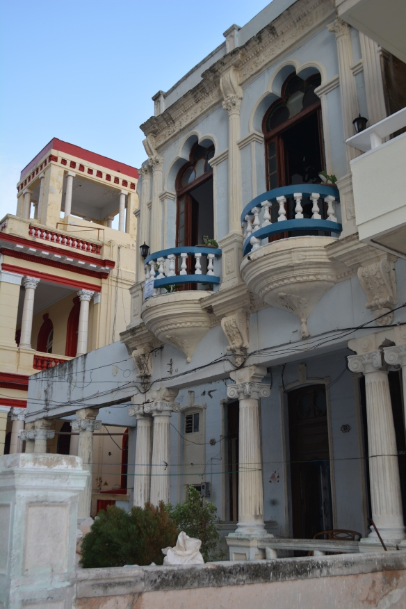 Exterior of Havana casa particular