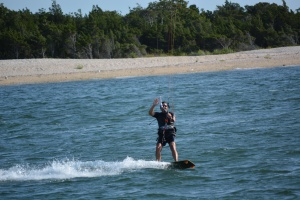 Pete kiting waving